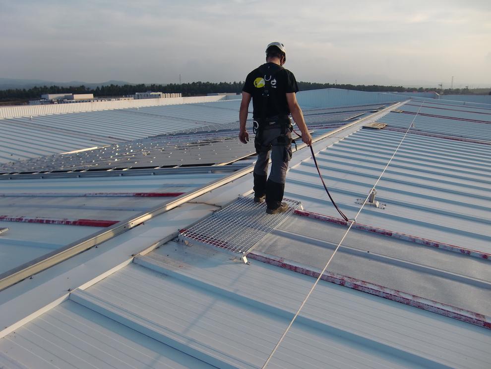 Linea de vida y seguridad tejado atic vertical